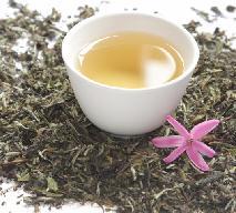 Biała herbata - jak parzyć, by zachować dobroczynne właściwości?