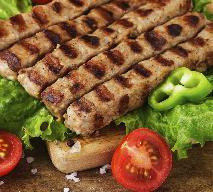 Przepis na podłużne klopsiki cevapcici - pyszne danie z wołowiny