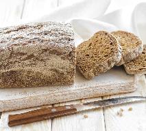Jak upiec chleb na zakwasie z płatkami owsianymi? Sprawdzony przepis