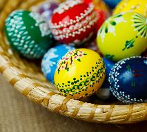 Koszyczek wielkanocny – co powinno znaleźć się w święconce? [WIDEO]