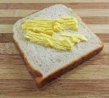 Masło czy margaryna: co jest zdrowsze? Co do ciasta, a co do smarowania chleba?