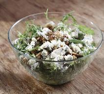 Sałatka z gruszką: przepis na aromatyczną przekąskę na sylwestra