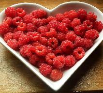 Sos malinowy - przepis na pyszny sos owocowy do sałatek