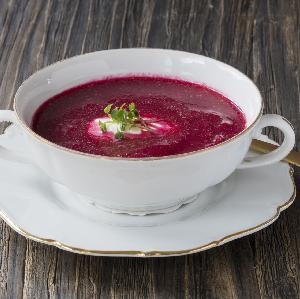 Zupa krem z buraków i malin