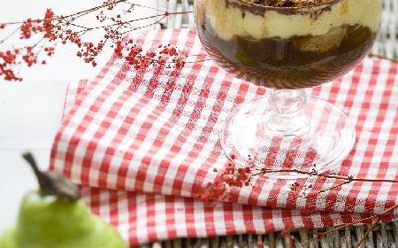 Tiramisu gruszkowe: przepis na modny deser
