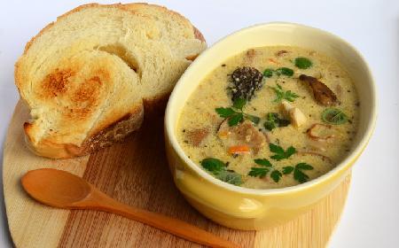 Zupa ze smardzami - przepis na pyszną zupę grzybową