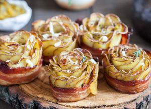 Chrupiące róże z ziemniaków i boczku: przepis na niecodzienną przekąskę