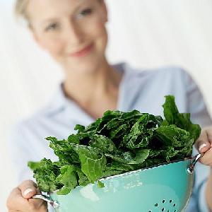 Szpinak na dobry humor - dowiedz się, co jeszcze jeść, by mieć dobry nastrój