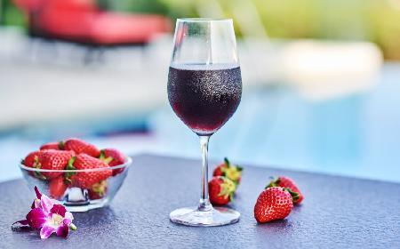 Wino truskawkowe - sprawdzony przepis na wino z truskawek
