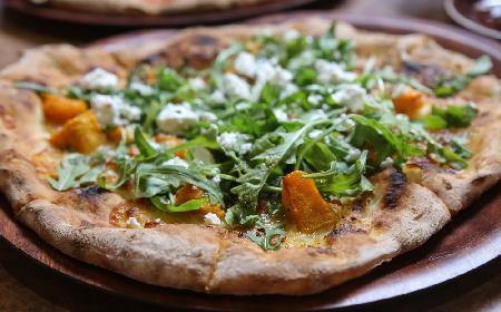Pizza z dynią i kozim serem - po prostu pycha!