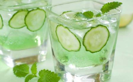 Orzeźwiająca lemoniada ogórkowa: napój na lato [WIDEO]