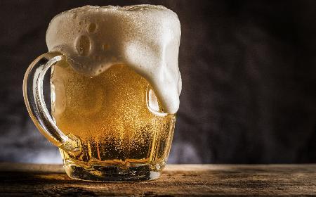 Piwo: fakty i mity na temat serwowania złocistego trunku