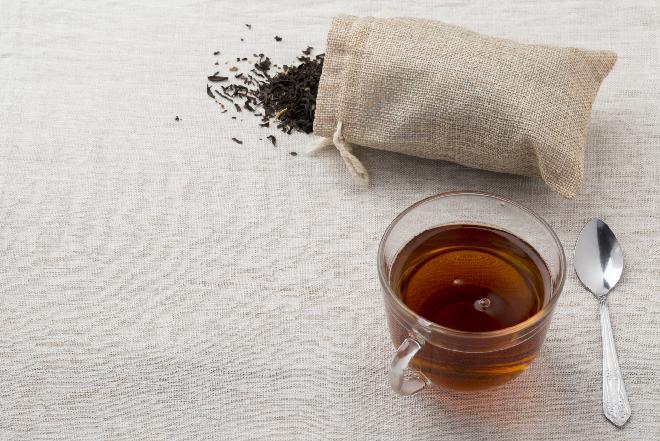 Galaretka z herbaty z melisą - orzeźwiający deser