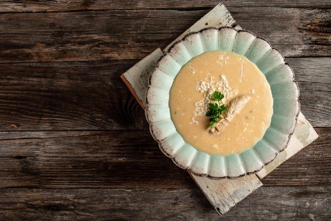 Chlebówka - przepis na aromatyczną zupę z żytniego pieczywa